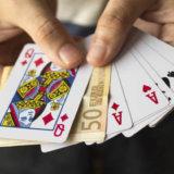 マジック(手品)ができる人はモテる!見せる機会は別の趣味や特技と組み合わせる!