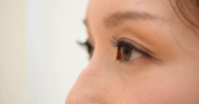 まつ毛が生え変わる周期を知るとケアプロストやルミガンの早い効果も納得